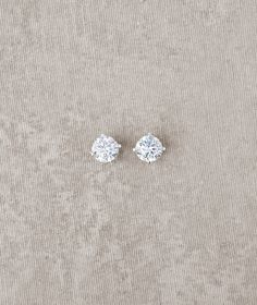 Pronovias offers earrings PT-2568 for brides   Pronovias   Pronovias