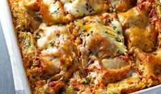 When it comes to comfort food, there is no greater combination than cheese and noodles. Take this dinnertime standby from good to great with these delicious lasagna recipes. Cookbook Recipes, Cooking Recipes, Food Network Recipes, Food Processor Recipes, Healthy Lasagna Recipes, Vegan Meals, A Food, Food And Drink, The Kitchen Food Network