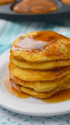 Cornbread & Sausage Pancakes are my favorite way to enjoy pancakes. With chunks of breakfast sausage inside, brunch just got that much better. Breakfast Pancakes, Sausage Breakfast, Best Breakfast, Pancake Sausage, Breakfast Club, Breakfast Casserole, Cheap Clean Eating, Clean Eating Snacks, Brunch Recipes