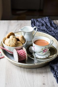 Tahini cookies | Marzia Fine Dining Middle Eastern Recipes, Tahini, Fine Dining, Biscotti, Food Photography, Cookies, Tableware, Biscuits, Dinnerware
