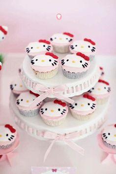 Hello Kitty cupcakes, for when I've mastered fondant. Hello Kitty Cupcakes, Cat Cupcakes, Love Cupcakes, Cupcake Cookies, Yummy Treats, Sweet Treats, Dessert Original, Hello Kitty Birthday, Marshmallow