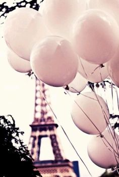 Immagine di paris, pink, and balloons