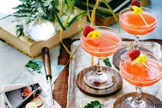 Love this summer twist on the Commodore Cocktail, now this is what a fab summer party needs #AvosFromPeru