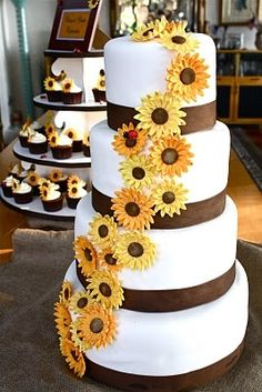 This site has so many cake decorating tips.