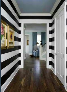 striped hallway-gotta have this in my house Deco Design, Design Case, Style At Home, Striped Hallway, White Hallway, White Walls, Striped Room, Long Hallway, Striped Wallpaper Hallway