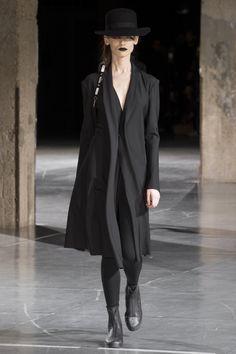 http://www.vogue.com/fashion-shows/fall-2017-ready-to-wear/yohji-yamamoto/slideshow/collection