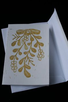 Handmade Mistletoe cards set of 5 gold by moxiepress on Etsy Xmas Cards, Holiday Cards, Greeting Cards, Christmas Art, Handmade Christmas, Kirigami, Stamp Carving, Linoprint, Stamp Printing