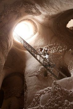 For 25 years, artist Ra Paulette has hand-carved caves in New Mexico's desert… only to abandon them to the fates.