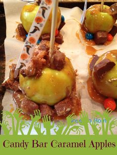 Make a for your friends and family with these Hallowen Baking and Halloween Punch Ideas using M&M's, and Hawaiian Punch. Halloween Punch, Halloween Candy, Hawaiian Punch, Halloween Baking, Favorite Candy, Punch Recipes, Holiday Treats, Caramel Apples, Cakes