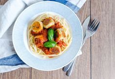 recept_fetaostbollar_i_tomatsås