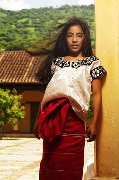 Niña indígena mexicana captada entre Chiapas y Oaxaca 1