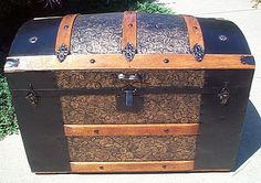 Antique Trunk #236