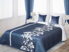 Bielo-modrý prehoz Gali je dostupný v troch rozmeroch: 170x210, 220x240 alebo 230x260 cm.