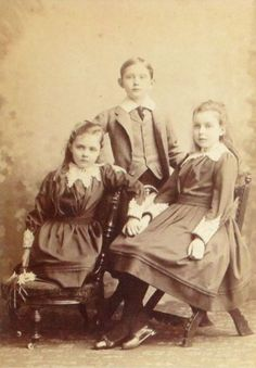 Patricia, Arthur, and Margaret, children of Prince Arthur, Duke of Connaught and his wife Louise of Prussia.