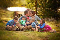 lovely (big) family shooting could have all couples kissing and kids laughing'