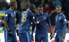Paul Pogba, Moussa Sissoko, Blaise Matuidi et Eric Abidal, lors de la défaite 2-0 de l'équipe de France en barrages face à l'Ukraine, le 15 novembre 2013.