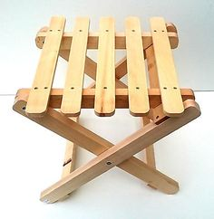25 Remarkable Camping Chairs With Side Table How To Varnish Wood, Folding Stool, Wooden Stools, Camping Chairs, Breakfast Bars, Bar Furniture, Picnic Table, Wood Projects, Woodworking