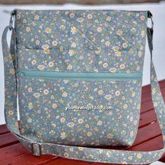 Diy Bags Patterns, Purse Patterns, Diy Zipper Crafts, Diy Bag Designs, Diy Bags Purses, Crossbody Bag, Tote Backpack, Fabric Bags, Zipper Bags