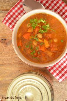 Möhrensuppe mit Süßkartoffeln und Kichererbsen | Katharina kocht