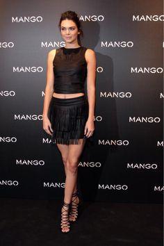 """Kendall Jenner ist das neue Gesicht der """"Tribal Spirit""""-Linie von Mango. Wieso man ausgerechnet sie für die afrikanisch angehauchte Kollektion verpflichtet hat, ist nicht so ganz klar. Aber die Sachen stehen ihr."""