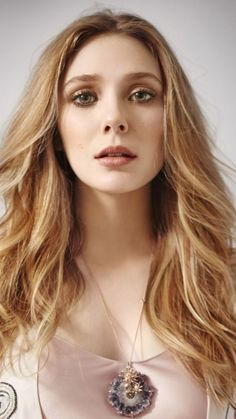 The sexy lady known as Elizabeth Olsen Beautiful Celebrities, Beautiful Actresses, Beautiful People, Very Beautiful Woman, Olsen Sister, Elizabeth Olsen Scarlet Witch, Marvel Women, American Actress, Beauty Women
