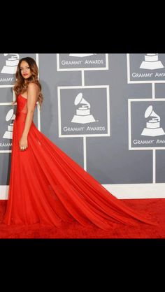 Rihanna. Red carpet dress. X