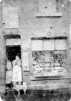 Tabacconist at 134 Attercliffe Road Sheffield. Harriet Jones and her daughter at the door Harriet Jones, Sheffield England, South Yorkshire, Family History, Cigars, Old And New, Vintage Photos, The Past, Daughter