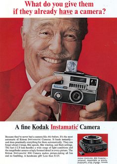 The Best Resource on the Net of Vintage Ads! The Handle Camera by Kodak. History Of Photography, Photography Camera, Underwater Photography, Vintage Photography, Pregnancy Photography, Underwater Photos, Landscape Photography, Portrait Photography, Fashion Photography