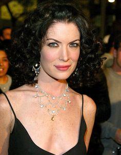 AVANT : les lèvres de Lara Flynn Boyle En 2002 déjà, certains soupçonnaient l'actrice de Men In Black II d'avoir eu recours à quelques injections dans les lèvres...