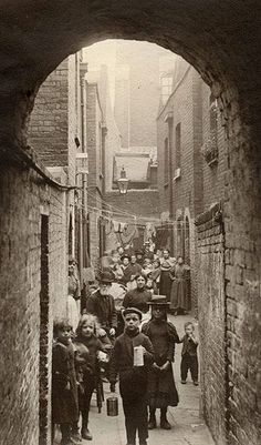 Spitalfields nippers: rare photograph of London street kids in 1901