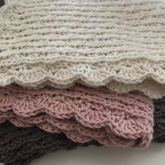 Crochet Home, Knit Crochet, Wood Crafts, Diy And Crafts, Knitted Shawls, Crochet Blankets, Washing Clothes, Lace Shorts, Crafty