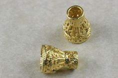 Fornitura - Entrepieza cono labrado de 1,4x0,7 cm..chapado en oro mate de 22k para usar en joyería y alta bisuteria.