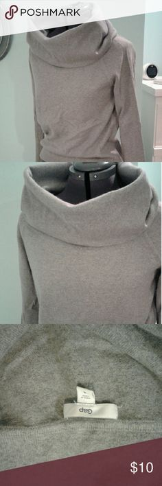 Gap cowl neck gray sweater S This sweater is so soft and so pretty! Very good used condition.  No rips, tears or stains.  Smoke free home. GAP Sweaters Cowl & Turtlenecks