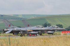 """Na Roménia, a Força Aérea manteve 4 F-16 durante 4 meses. Operação """"Falcon Defence"""" integrada nas mesmas Assurance Measures da NATO. F 16, Viper, Armed Forces, Portuguese, Air Force, Fighter Jets, The Best, Aircraft, Birds"""