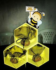 Centro de mesa, tema abelhinha! Uma doçura de festa!#saralembrancinhas  #festaabelhinha