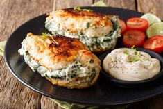This Stuffed Chicken Breast is juicy and moist from inside with stuffed with cheese and spinach which can be a perfect chicken dinner for the entire family. Spinach Artichoke Chicken, Cheese Stuffed Chicken, Baked Chicken Breast, Chicken Breasts, Breast Recipe, Bons Plans, Chicken Recipes, Cooking Recipes, Favorite Recipes