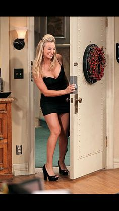 Kaley Cuoco is an American actress known for Heaven, 8 Simple Rules, as Billie Jenkins on Charmed and as Penny The Big Bang Theory. Kaley Cuoco, Stunning Women, Beautiful Celebrities, Beautiful Actresses, Beautiful Ladies, Beautiful People, Big Bang Theory, Tbbt, Playboy