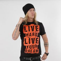 Live Hard live your dream t-shirt €18,90
