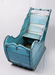 Arreslee van blauw geverfd hout, vervaardigd door een Tielse timmerman , ca. 1910-1925