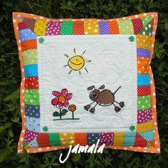 ~DÍLNA jamala~: června 2014 Diaper Bag, Quilts, Blanket, Bed, Cushions, Scrappy Quilts, Comforters, Blankets, Stream Bed