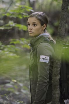 Jordan Hayes as Dr. Sarah Jordan in HELIX ep. 2.01 San Jose.