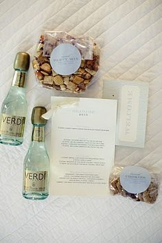 Wedding Welcome Bags- Champagne from Italy, Homemade Party Mix, Homemade Cookies & weekend agenda. @Danielle Cascerceri ... Can u show peg? Love the homemade cookies and trail mix...not the champagne