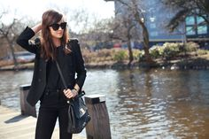 // The power of the all black outfit // Style Scrapbook: AMSTERDAM