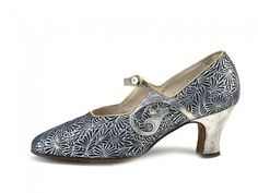 Art Deco Pair of Blue & Silver Metallic Leather Shoes. / 1920s / La Parisienne