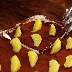 Milk cuts tiramisu-Milchschnitten-Tiramisu Break snack becomes the center of dessert: Tiramisu made from milk slices. Easy Chocolate Desserts, Chocolate Chip Recipes, Easy Desserts, Chocolate Cake, Tiramisu Dessert, Mousse Dessert, Easy Homemade Cake, Homemade Cake Recipes, Dessert Simple