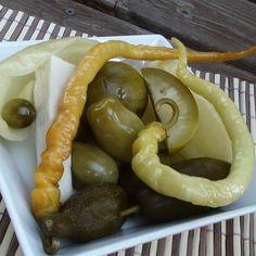 Egy finom Vödrös (bedobálós) savanyúság ebédre vagy vacsorára? Vödrös (bedobálós) savanyúság Receptek a Mindmegette.hu Recept gyűjteményében! Sausage, Food And Drink, Meat, Canning, Sausages, Chinese Sausage