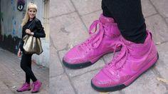 Chamarra: Forever 21 Suéter: Zara Tennis: Nike Aretes: H&M Bolsa: Vintage  http://www.timeoutmexico.mx/df/compras-estilo/looks-time-out-mexico-18-de-noviembre