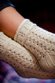 This almost makes me want to learn to knit socks. Ravelry: Rubus suberectus Socks pattern by Hunter Hammersen Crochet Socks, Knitting Socks, Hand Knitting, Knit Crochet, Knit Socks, Knitting Designs, Knitting Projects, Knitting Patterns, Crochet Patterns