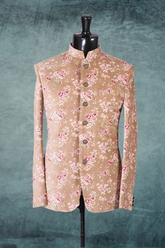 grand with makes the wearer look and makes you stand out in the this suit can be worn by all and in all Mens Indian Wear, Mens Ethnic Wear, Indian Men Fashion, Prince Suit, Mens Traditional Wear, Grand Prince, Mens Sherwani, Ethenic Wear, Gentleman's Wardrobe
