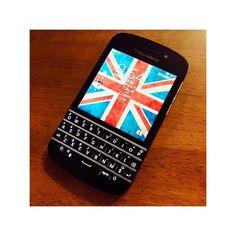 #inst10 #ReGram @m_19910303: 念願のblackberry 留学してた頃から憧れててとうとうSIMフリーのをgetしたのん これから海外旅行の時はよろしくねblackberryちゃん . #ブラックベリー #念願 #憧れ #ずっと欲しかった奴 #2年越し #simフリー #海外専用 #wifi専用 #blackberry #q10 #blackberryq10 #mobile #simfree #BlackBerryClubs #BlackBerryPhotos #BBer